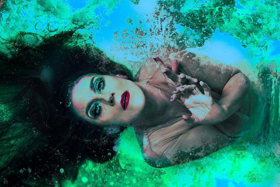 Moira Finucane The Rapture - Bathtub Edition landscape (pic Jodie Hutchinson & Tear It Up)