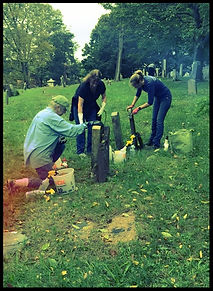 Ketewamoke Chapter Members Clean Patriot Graves for NSDAR Day of Service