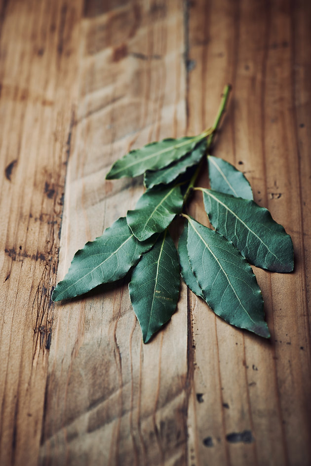 Here's why you should start burning bay leaves! Results in