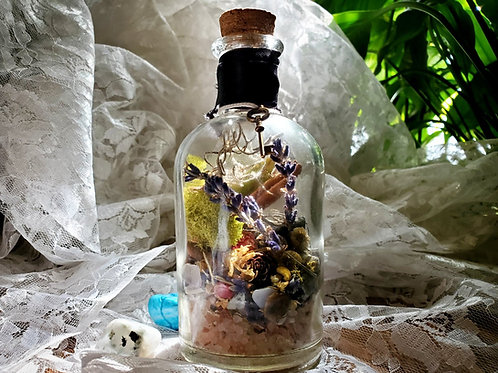Witch Bottle ✨ Key Charm, Cinnamon and Lavender