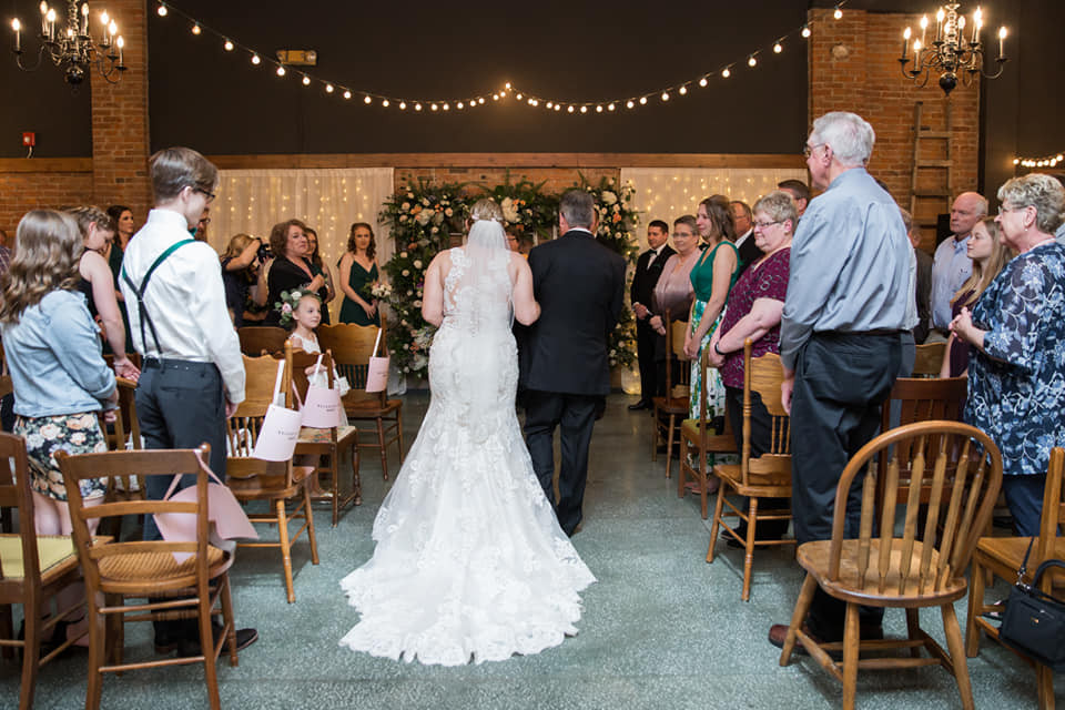 Gatherings ceremony photo by Annaberry Images