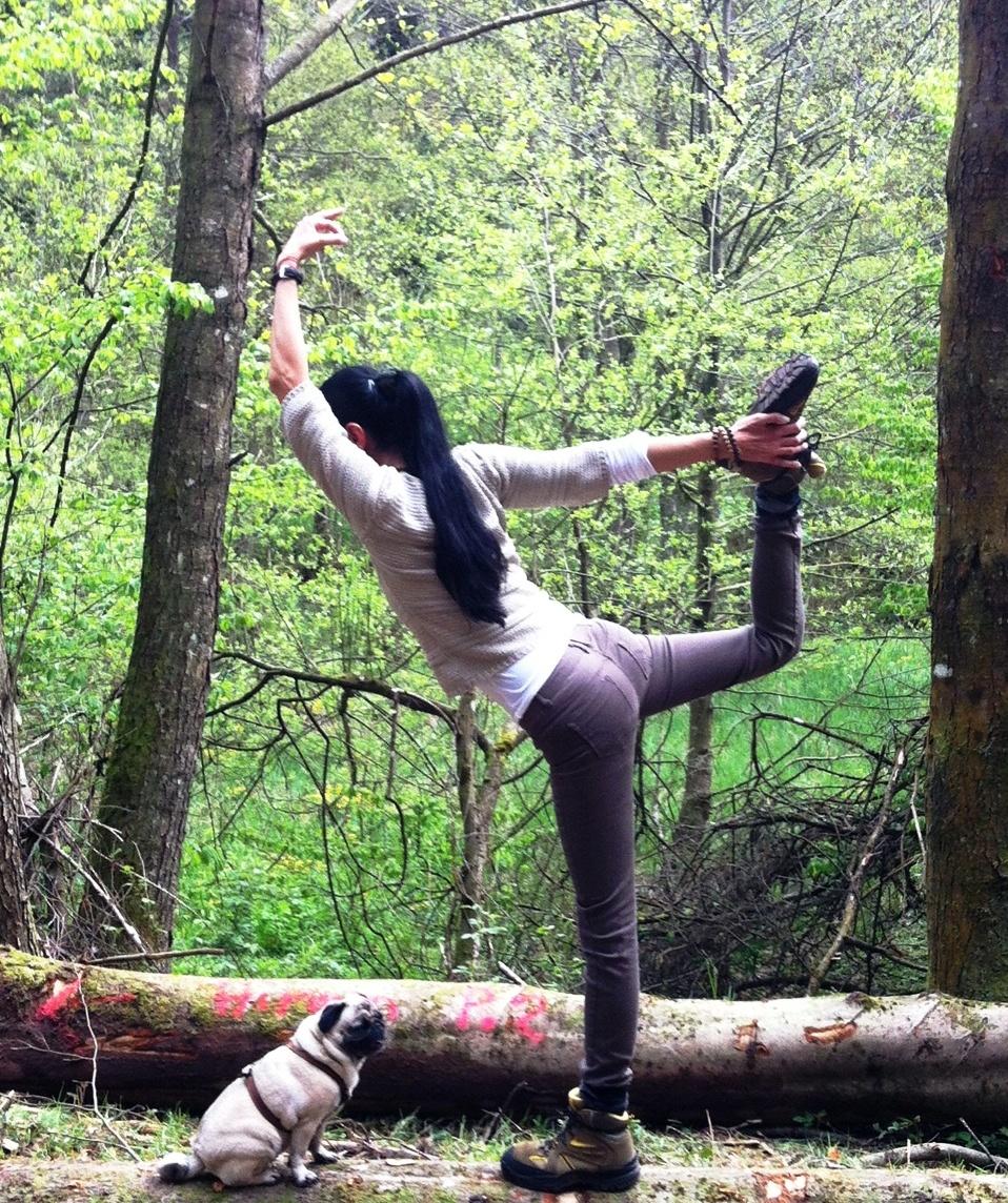 Aquila Camenzind Baum-Yoga