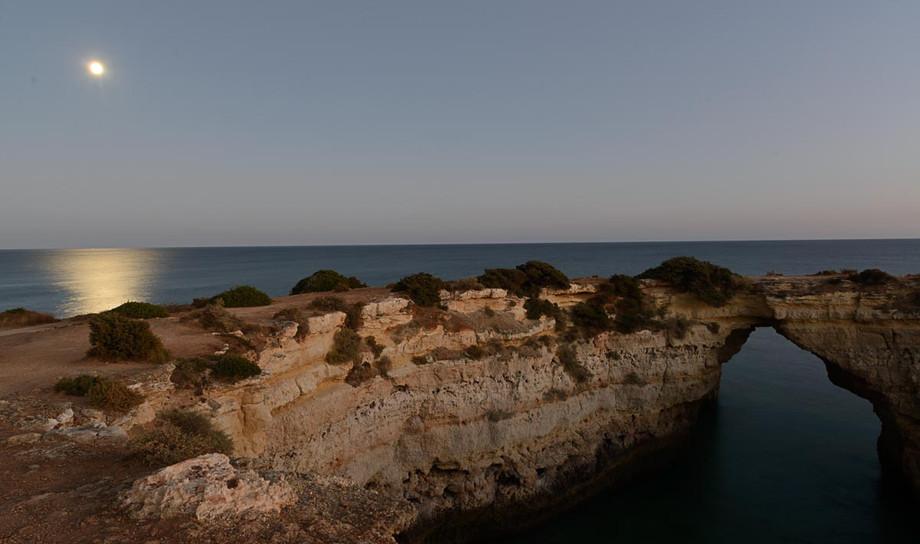 Sobre playa Marinha.JPG