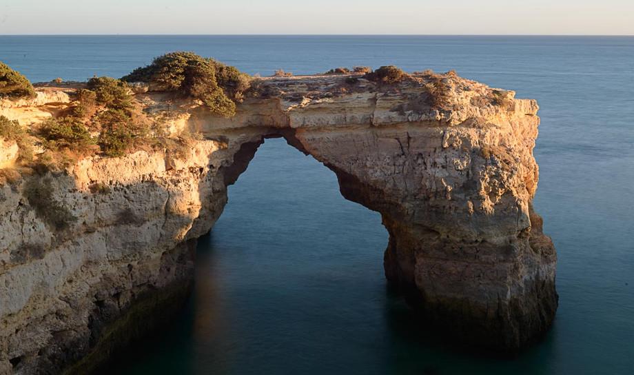 Arco acantilados Marinha.JPG