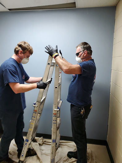 plumbers-Setting-Up-Ladder-oakton-va