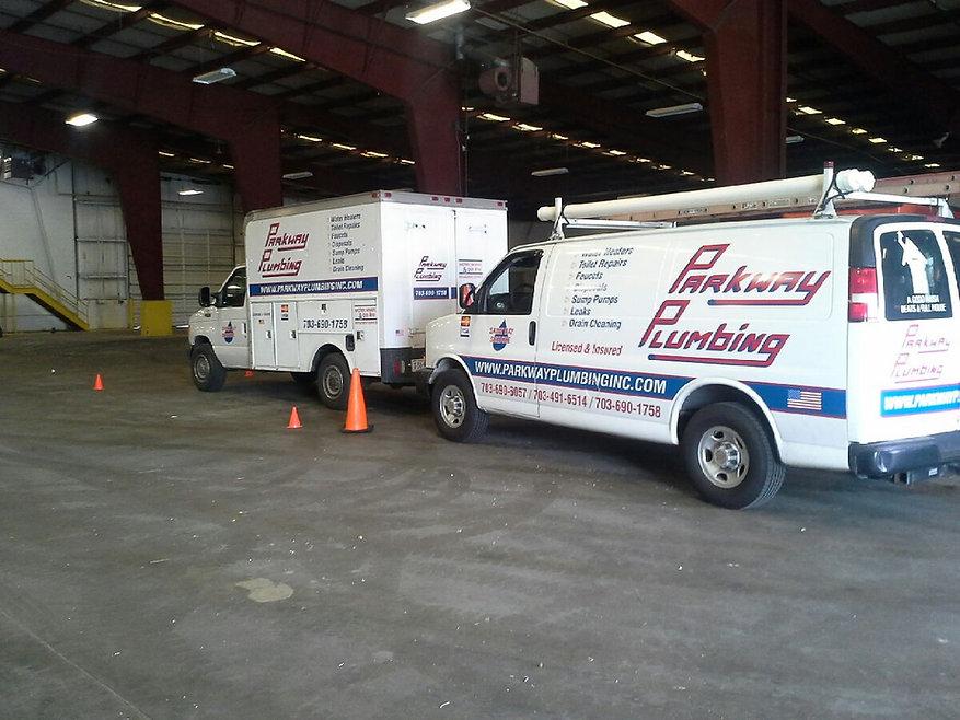 parkway-plumbing-trucks..jpg