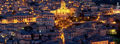 Panorama d Modica by night
