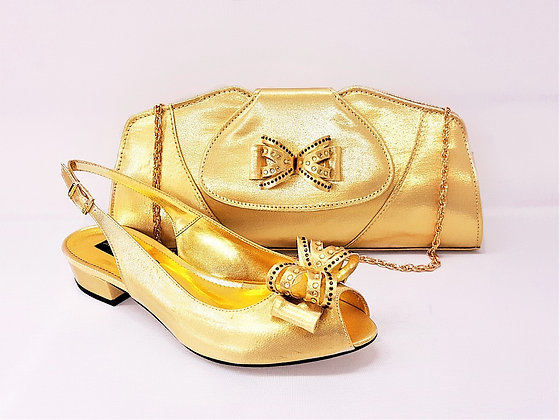 Arlene, Mary Shoes gold very low heel shoes and matching bag set