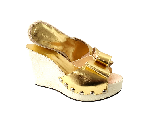 Beatrice, champagne gold floral wedges
