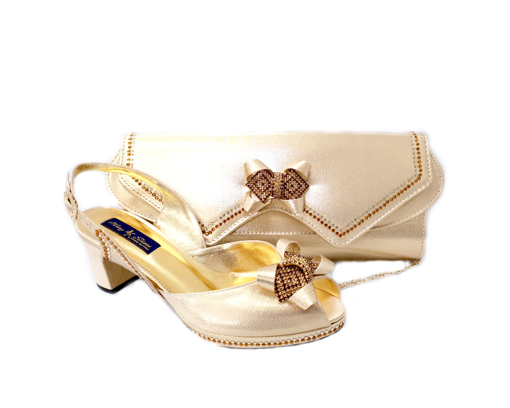 28b84dc26 A Mary Shoes signature style, these elegant wedding shoes come with an  adorable brooch at the top, a 0.5inch platform, and an adjustable slingback.