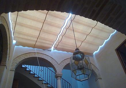 toldo interior patio luz