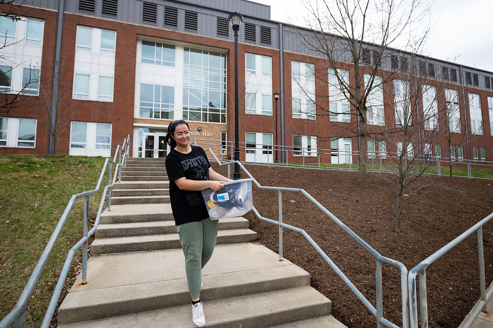 UK freshman ISC major Sofia Espinoza moves out of Smith Hall for spring break on Thursday, March 12, 2020, at the the University of Kentucky in Lexington, Kentucky. Photo by Michael Clubb