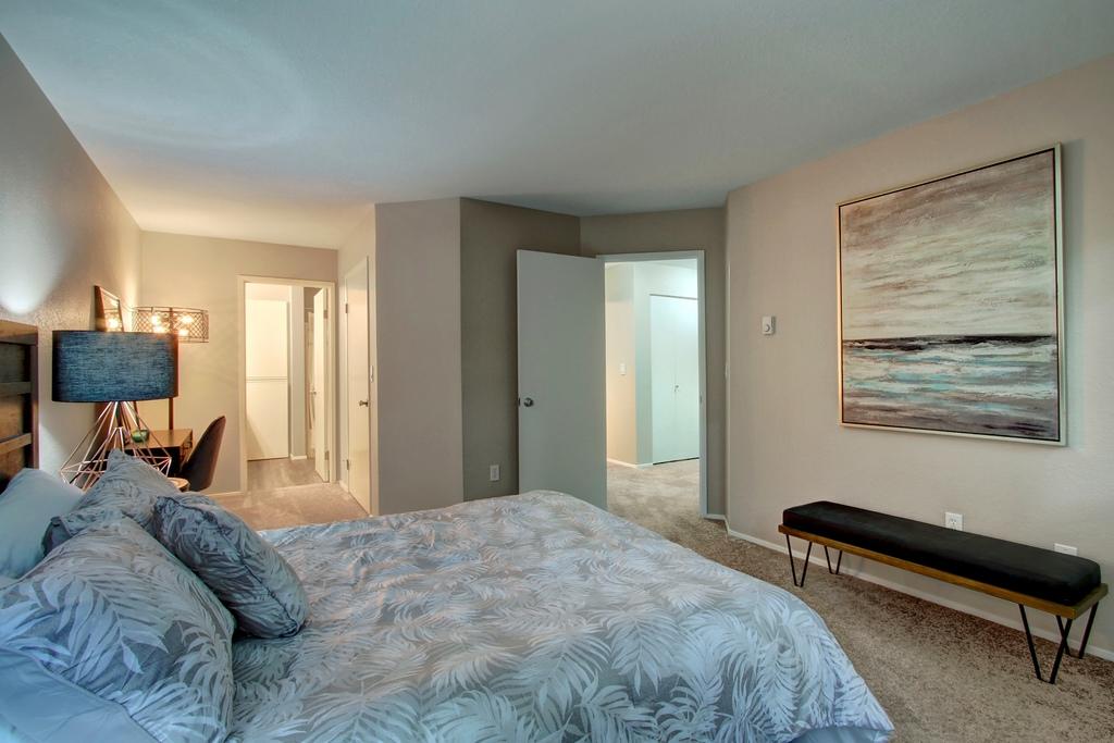 9 master bed.jpg