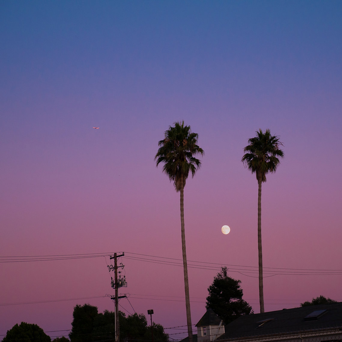 Moon over Trainhole.jpg
