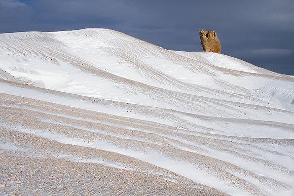 Çölde kar manzarası