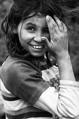 Sarıkeçili küçük çoban kız