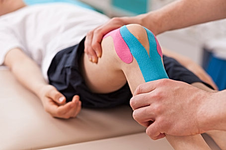 Kinesiology physiotherapy treatment for knee pain