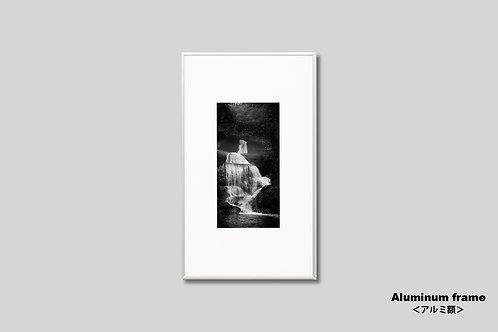 写真,インテリア,滝,水景,和室,インテリアフォト,アート,額入り,モノクロ,壁掛け,額装,オリジナルプリント,アートフレーム,フォトフレーム,おしゃれ,モダン,壁飾り,装飾,ウォールアート,プレゼント