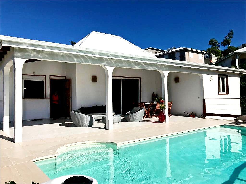 Villa stefie vue d'ensemble de la terrasse