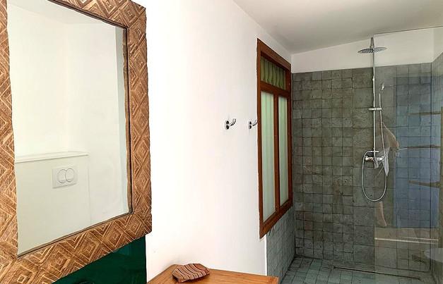 Salle d'eau de la chambre du premier étage
