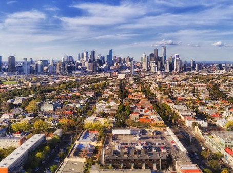 Rethinking Lenders' Mortgage Insurance
