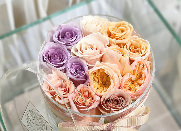 Exclusive Crystal Clear Box - 12 Assorted Roses