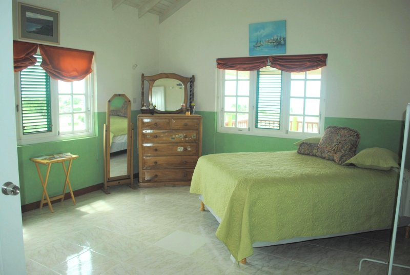 Emerald Living | Fourth Bedroom