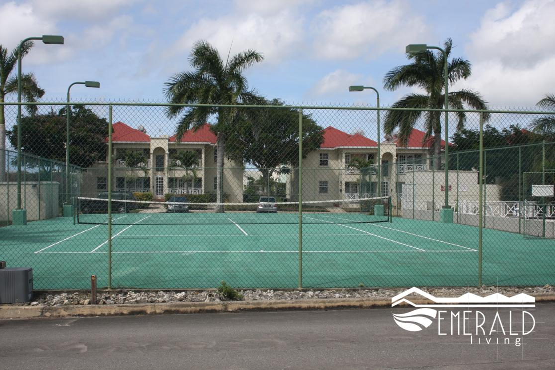 EMERALD LIVING | Tennis Court