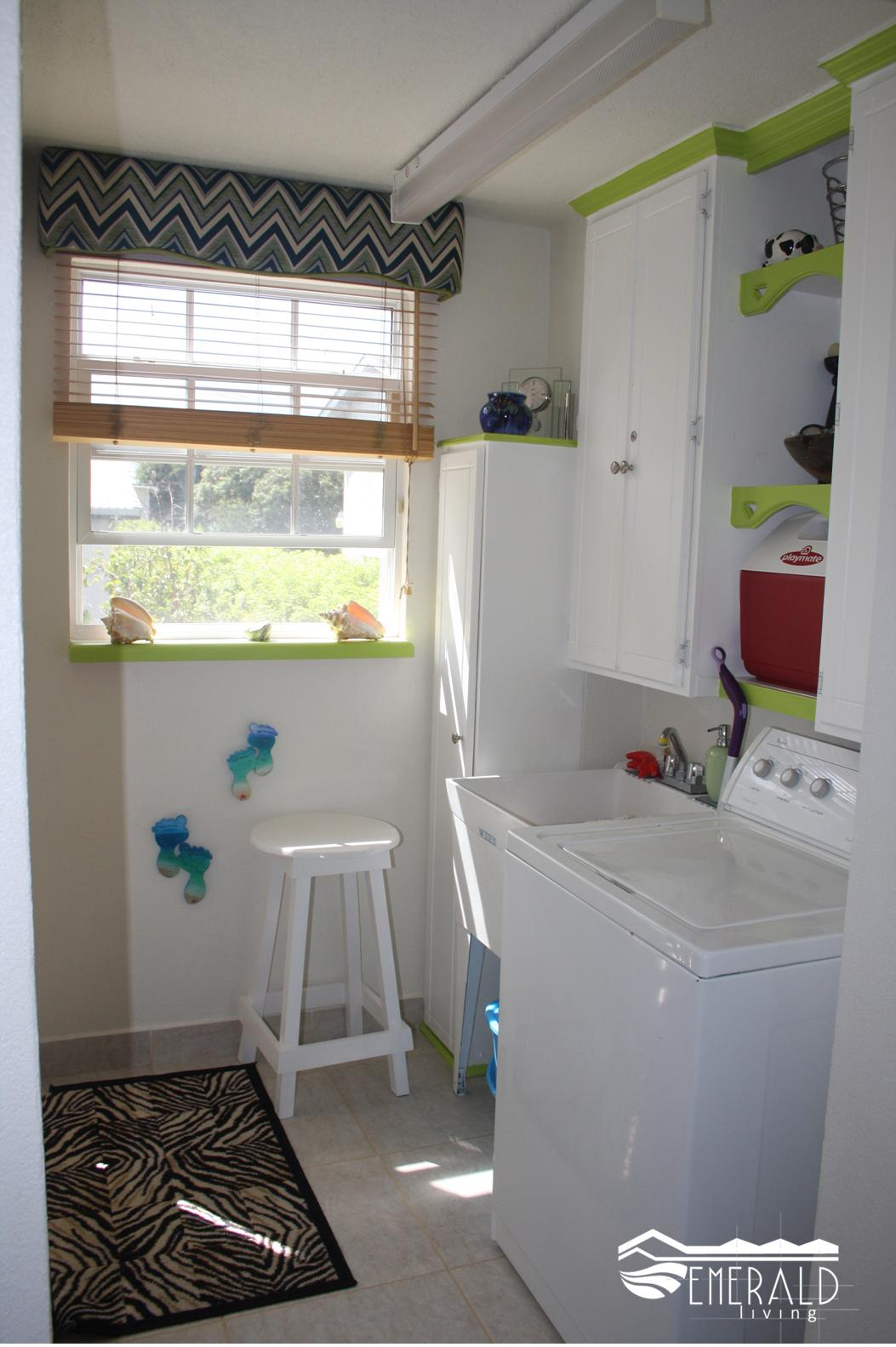 EMERALD LIVING | Laundry