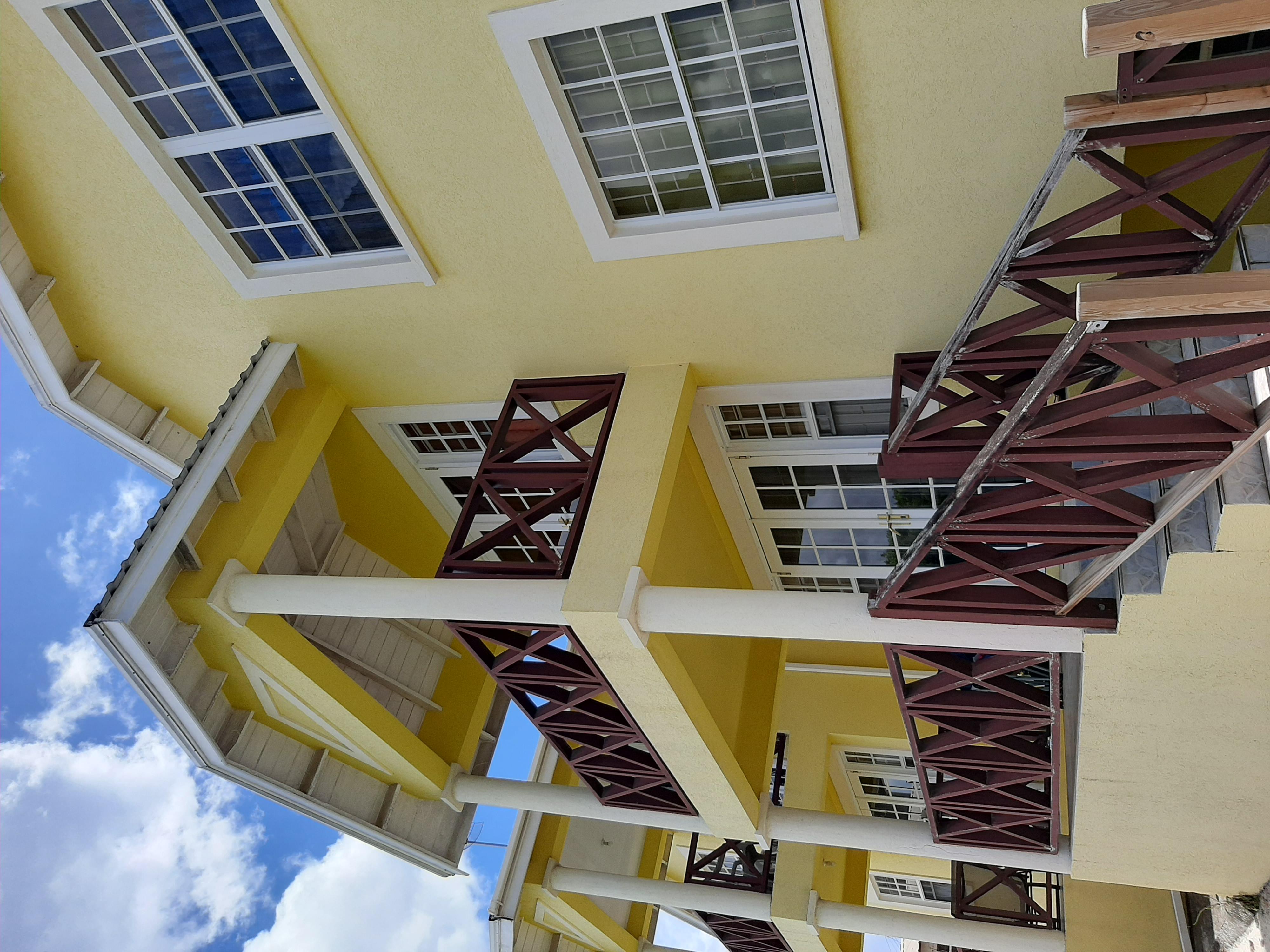 EMERALD LIVING | Kingsland Terrace