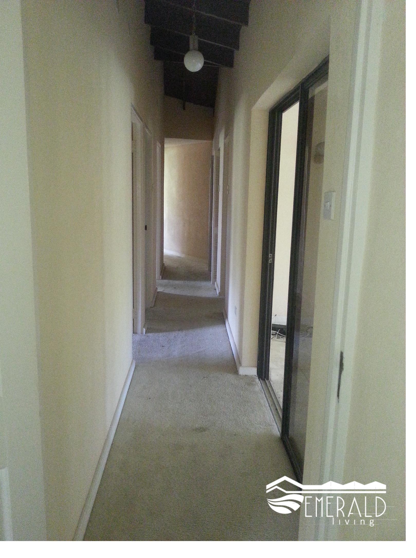 Emerald Living | Hallway