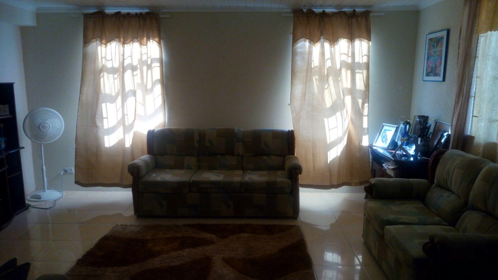 EMERALD LIVING | Living Area