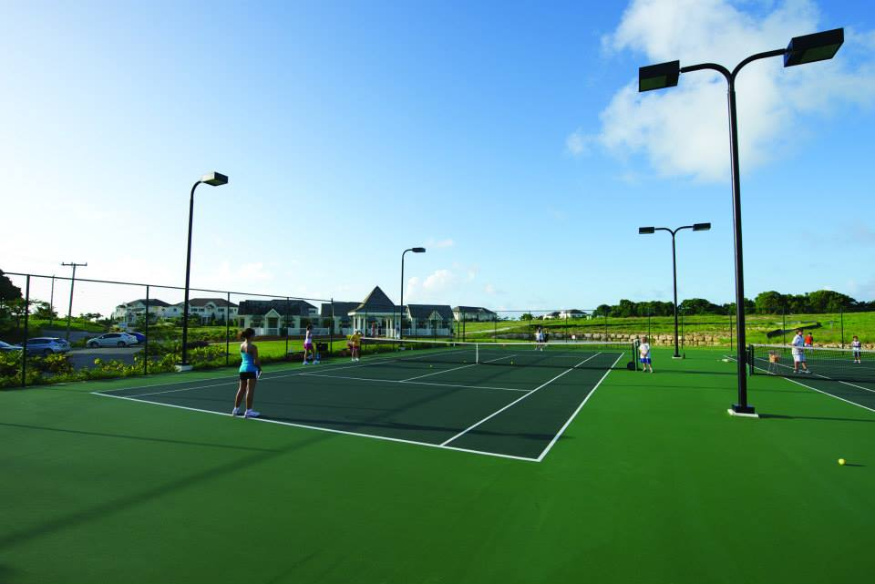 Emerald Living | Tennis Courts