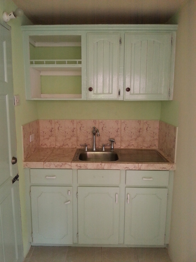 EMERALD LIVING | Kitchenette