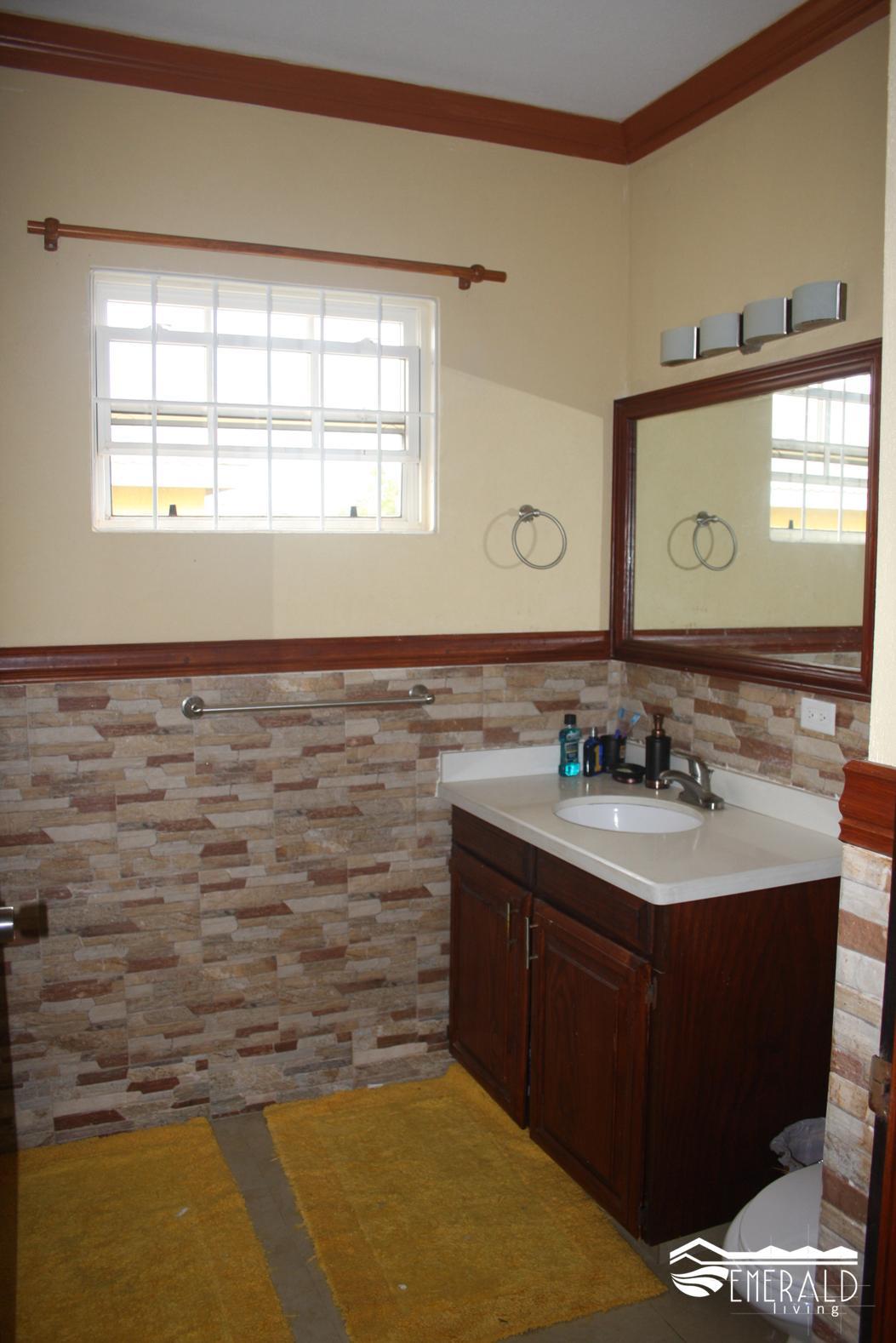 EMERALD LIVING | Downstairs Bathroom