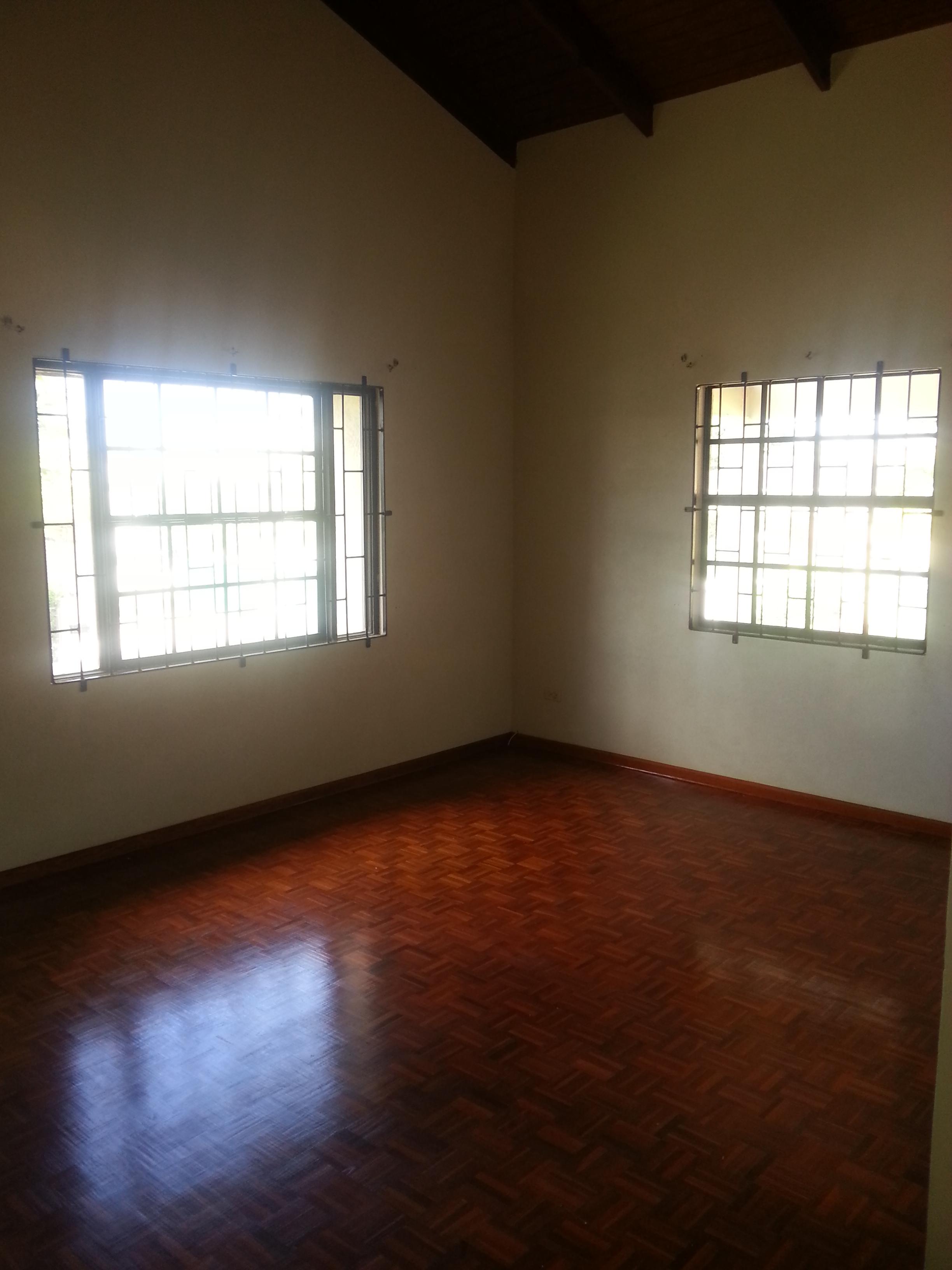 EMERALD LIVING | Living Room