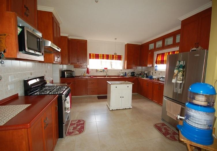 Emerald Living | Main Kitchen