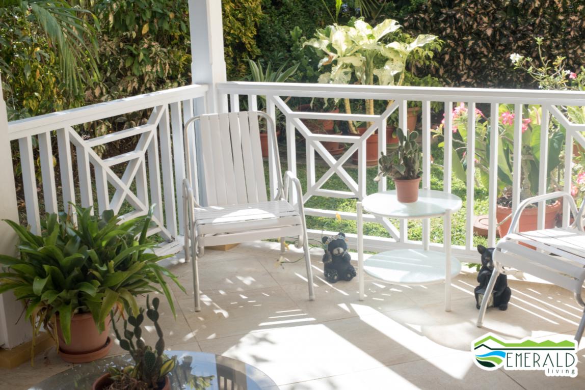 EMERALD LIVING | Back patio