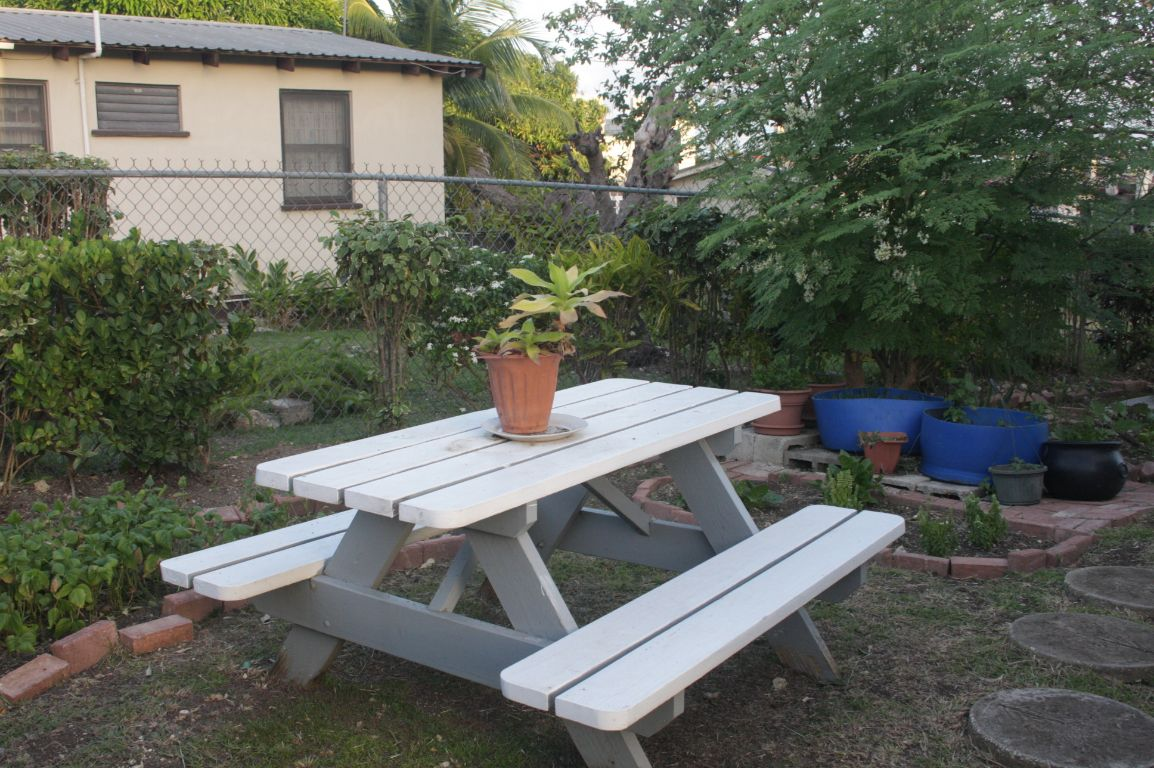 Emerald Living | Garden Sitting Area