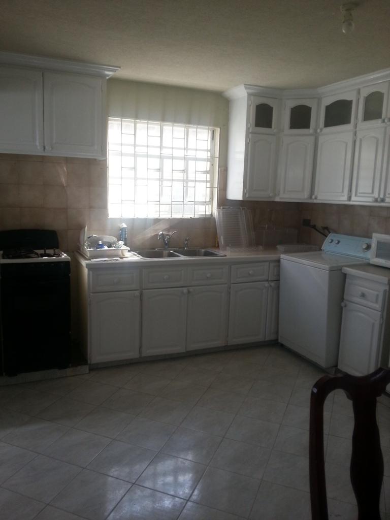 EMERALD LIVING   Kitchen
