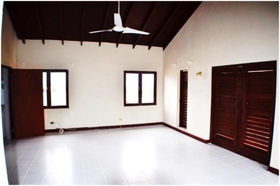 EMERALD LIVING - Master Suite