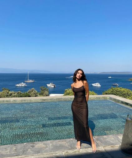 Miaou | Thais Black Gown