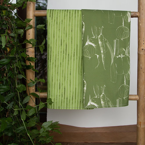 Kitchen towels set in green