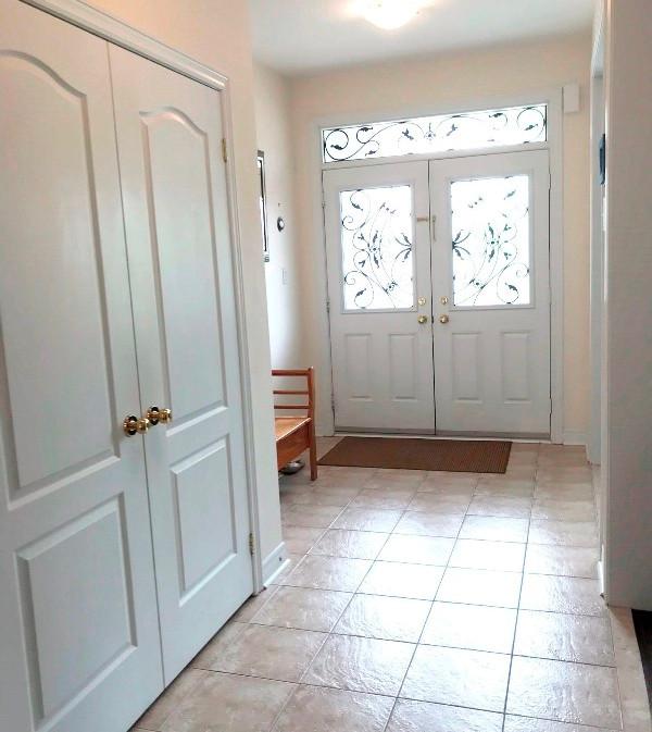 13. Foyer - IMG_3954.JPEG