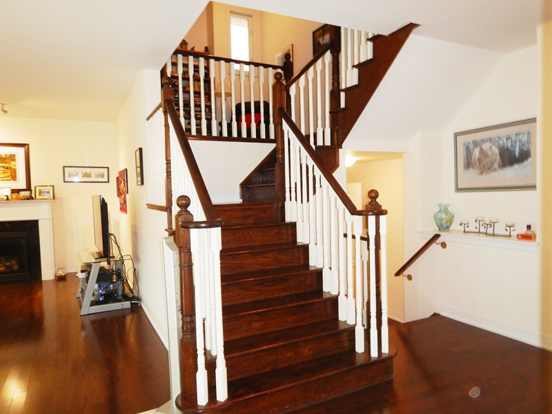 46. Staircase - DSCN0403.JPG