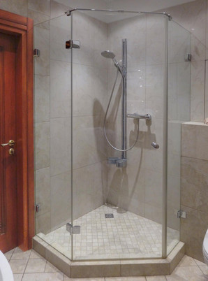 Neo Style Shower Enclosure