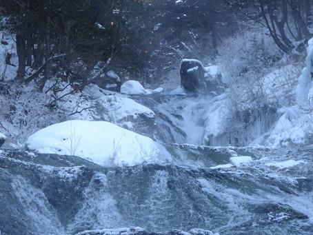 横谷峡奥地にある滝のご案内