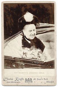 Queen-Victoria-Cabinet-Photograph-1898-b