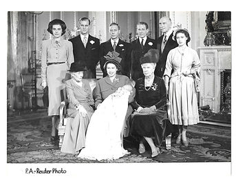 Photo-8-Royal-Family-Group-Photo.jpg