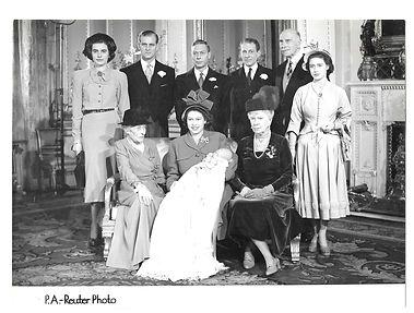 Photo-8-Royal-Family-Group-Photo.jpg